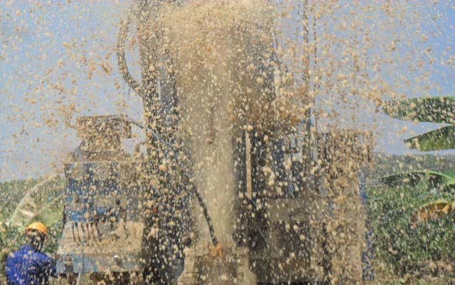 The Water Project : rwanda3011_page_3_image_0002