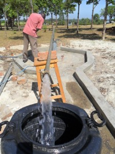 The Water Project : test-pumping-lwanda-k-secondary