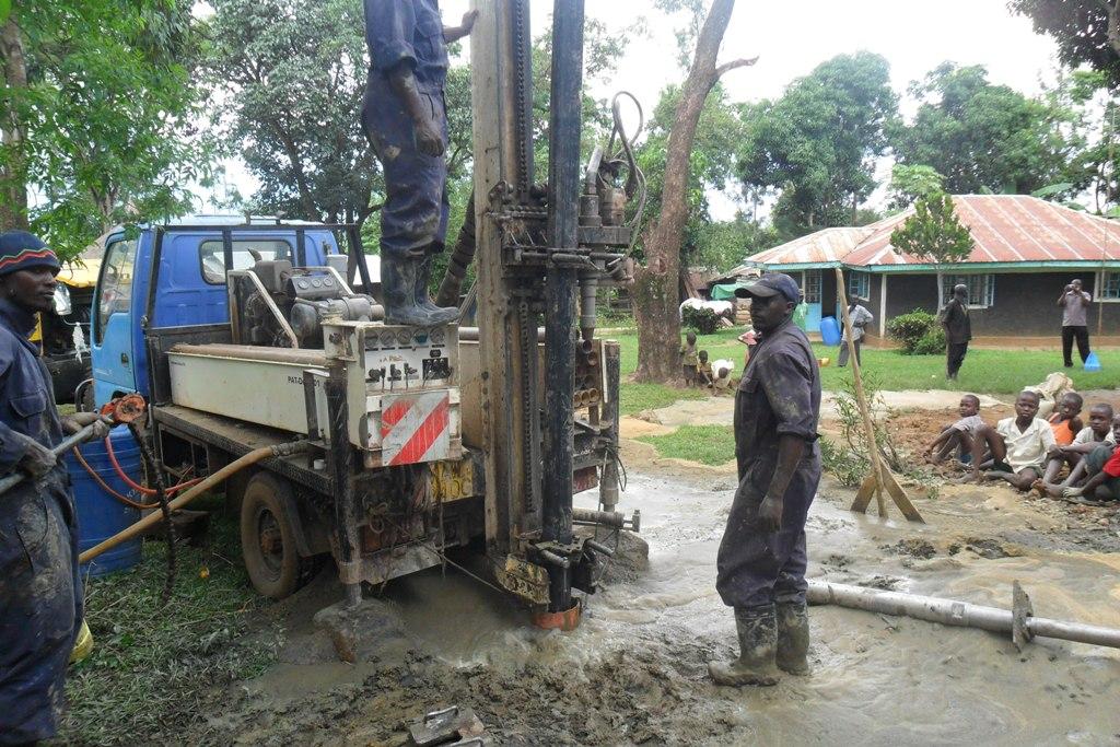 The Water Project : casing-wazee-hukumbuka-self-help-group-2