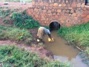 The Water Project : the-water-project-lwi-rwanda-july-2012-patyrak-rw111206twp002035lwr_page_4_image_0001
