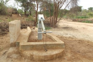 The Water Project : kenya4032-shallow-well_july-2013-3