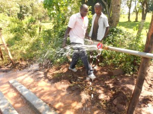 The Water Project : kenya4160-test-pumping