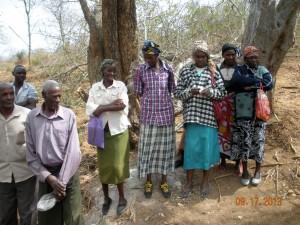 The Water Project : kenya4032_community-members_2