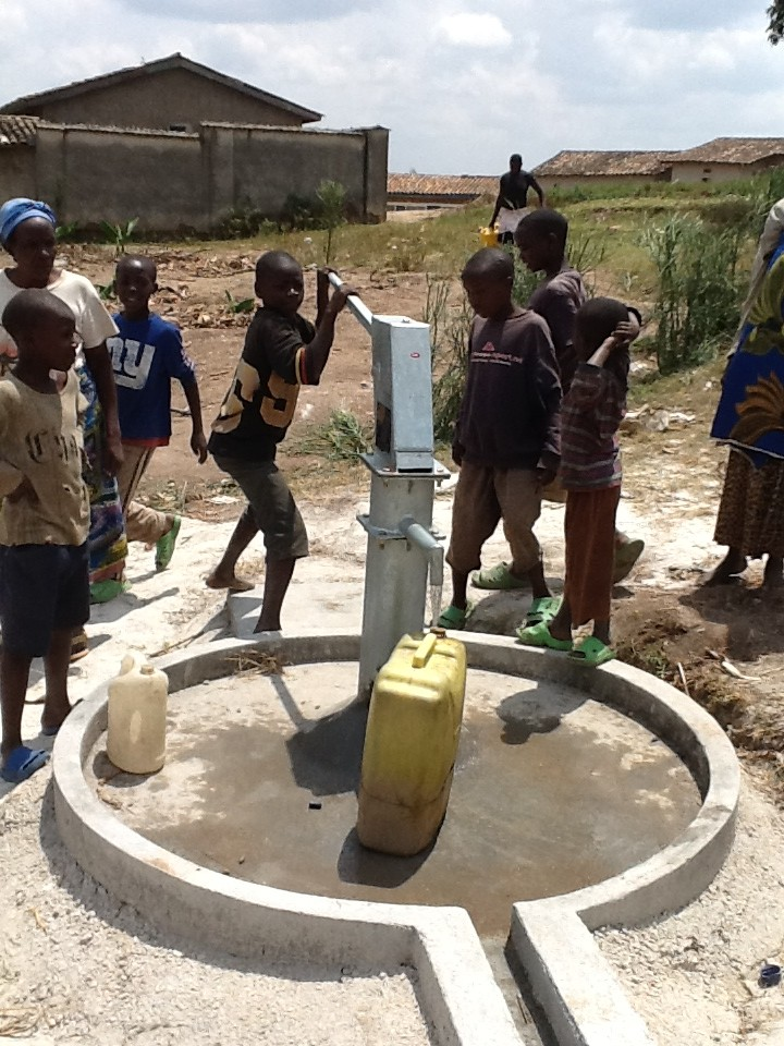 The Water Project : rwanda3065-5