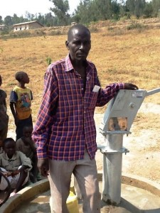 The Water Project : rwanda3068-community-member-1