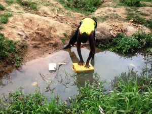 The Water Project : rwanda3069-previous-source