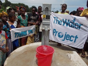 The Water Project : sierraleone5043_02