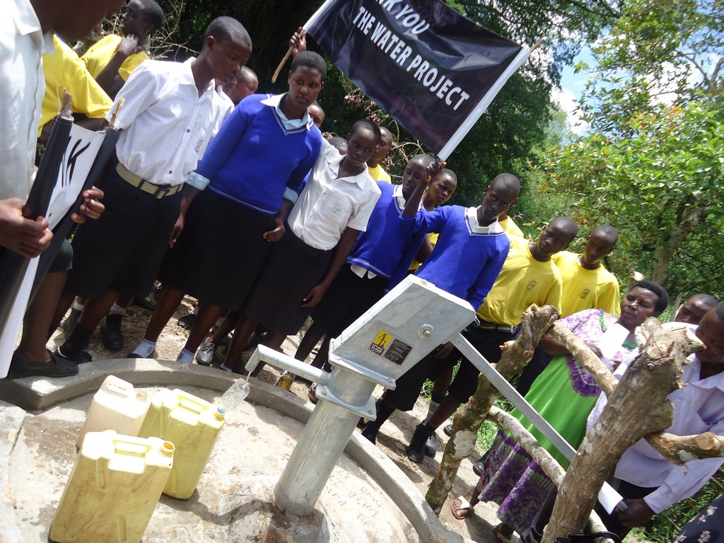how to make a water well for school project