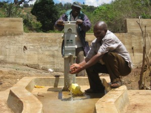 The Water Project : kenya4036-kee-10