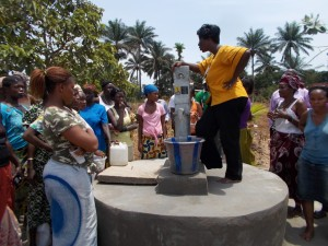 The Water Project : sierraleone5037_05