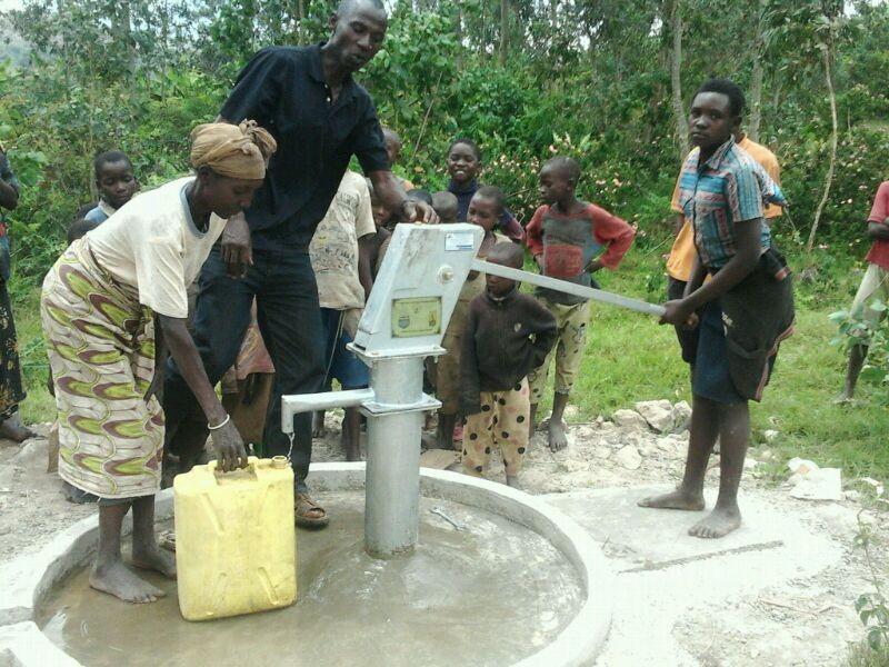 The Water Project : rwanda3071_01