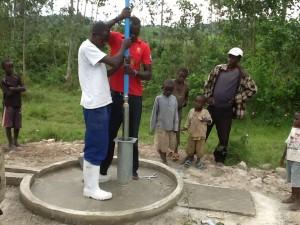 The Water Project : rwanda3071_02