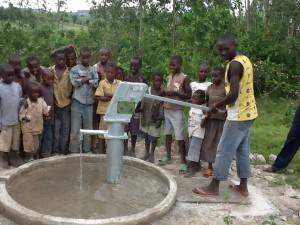 The Water Project : rwanda3071_05