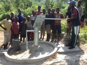 The Water Project : rwanda3073_02