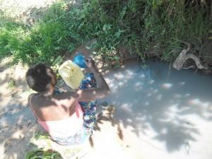 The Water Project : rwanda3073_03