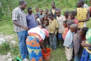 The Water Project : rwanda3074_01
