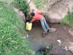 The Water Project : rwanda3075_17