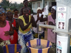 The Water Project : sierraleone5037-22