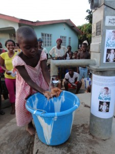 The Water Project : sierraleone5037-25