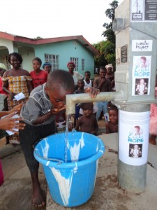 The Water Project : sierraleone5037-26