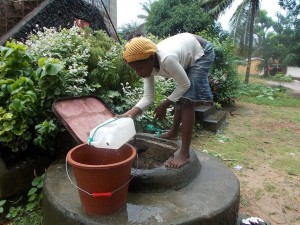 The Water Project : sierraleone5047_07