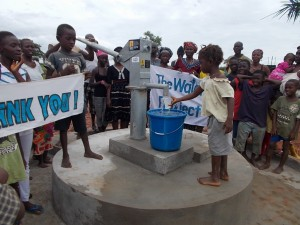 The Water Project : sierraleone5048_09