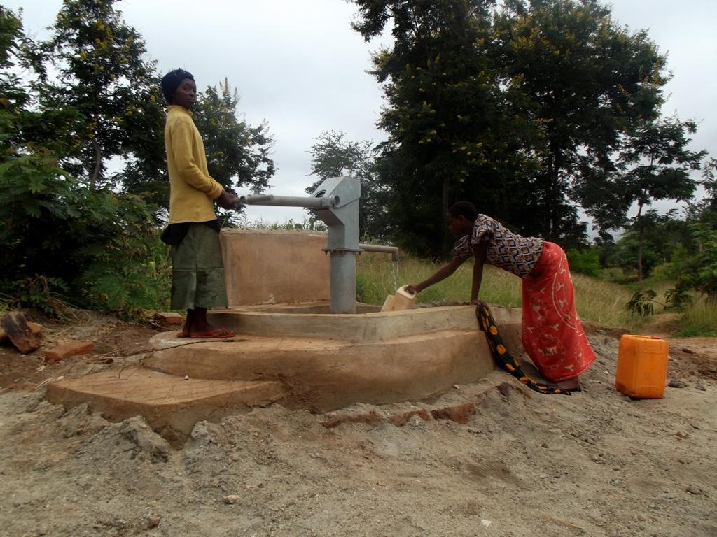 Photo of Isunguluni Mutomo Community A