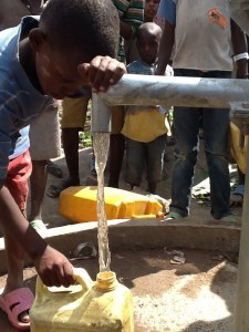 The Water Project : rwanda3084-01