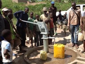 The Water Project : rwanda3084-05