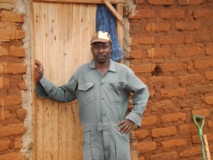 The Water Project : kenya4301-08-first-members-house