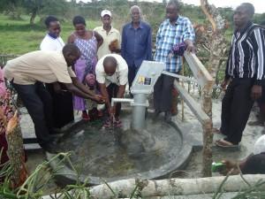 The Water Project : uganda6045-13-wuc-members-2