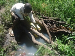 The Water Project : uganda668-05