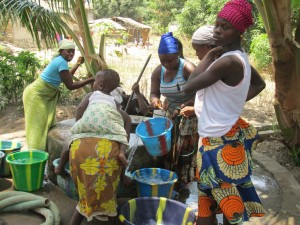 The Water Project : sierraleone5050-02-2
