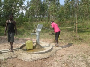 The Water Project : rwanda3080-02
