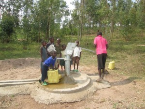 The Water Project : rwanda3080-04