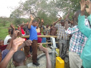 The Water Project : uganda6054-16-bh-dedication
