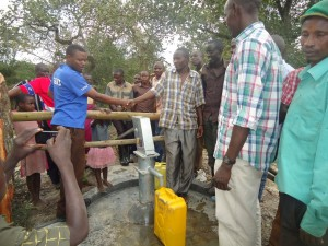 The Water Project : uganda6054-17-bh-dedication
