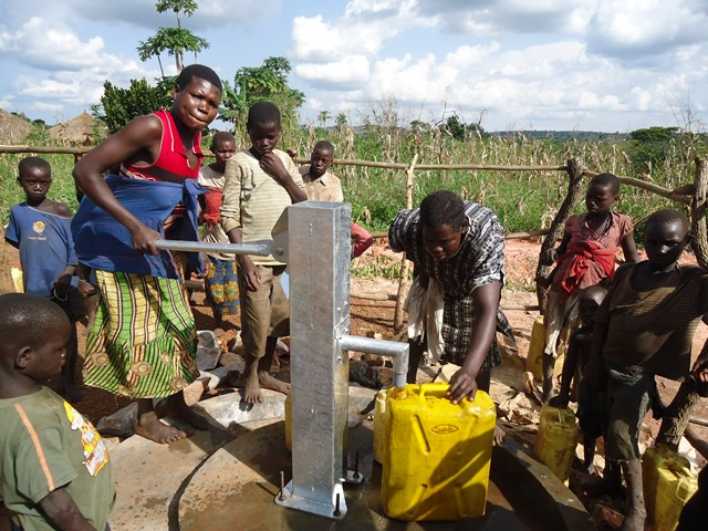 The Water Project : uganda668-53