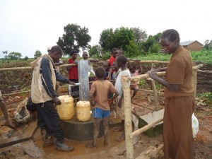 The Water Project : uganda669-16