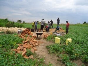 The Water Project : uganda670-08