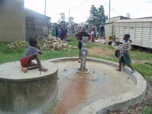 The Water Project : kenya4264-40-lutaso-market-handing-over