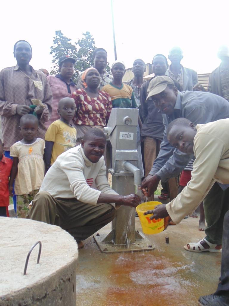 The Water Project : kenya4264-44-lutaso-market-handing-over
