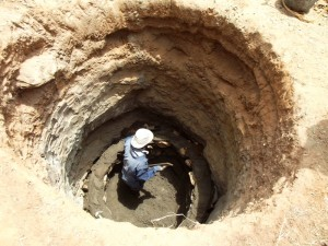 The Water Project : kenya4307-shallow-well-02