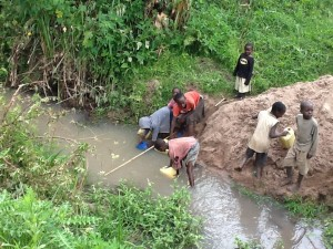 The Water Project : rwanda3083-01-previous-water-source