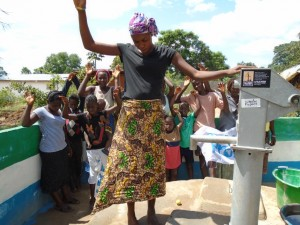 The Water Project : sierraleone5056-07-well-dedication