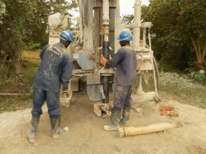The Water Project : uganda6058-22-akabereera-drilling