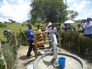 The Water Project : uganda6058-30-bh-dedication