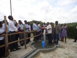 The Water Project : uganda6060-33-bh-handover