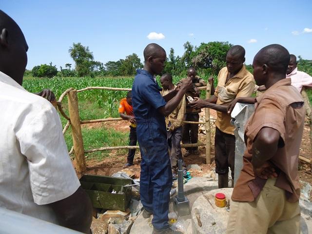 The Water Project : uganda671-18