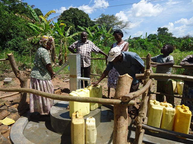 The Water Project : uganda676-42